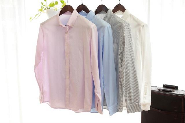 4つのシャツ