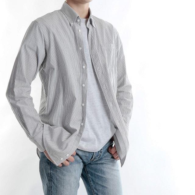 男性用のストライプシャツ